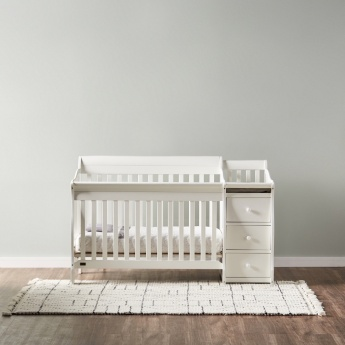 Giggles Jessica Convertible Baby Crib