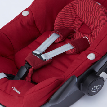 Maxi-Cosi Pebble Car Seat with Carry-On Handle