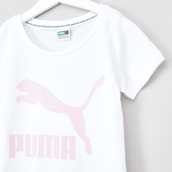 PUMA Classics Logo T-shirt with Round Neck