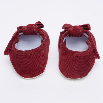 Juniors Textured Shoes with Bow Applique