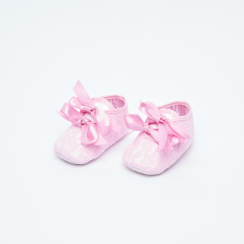 Juniors Bow Tie Detail Baby Shoes