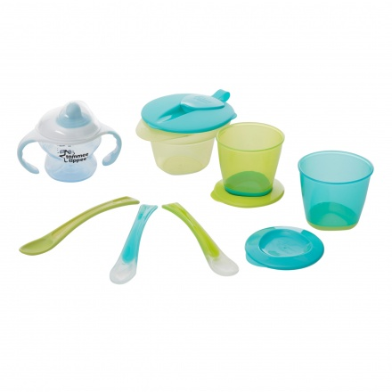 Tommee Tippee Weaning & Drinking Kit + Free Bib worth AED 27