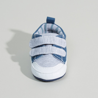 Juniors Hook and Loop Closure Soft Shoes