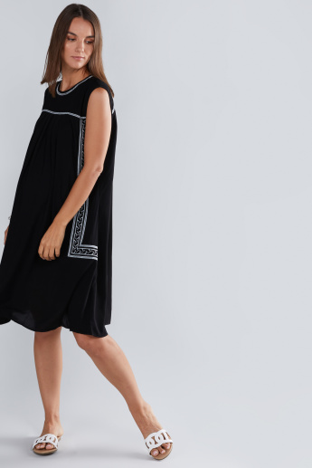 314678aeacf01 House of Napius Maternity Embroidered Sleeveless Dress with Round Neck |  Black | Regular