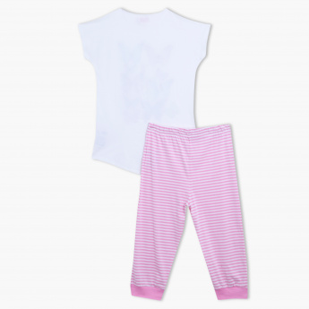 Juniors Printed T-Shirt and Capris Set