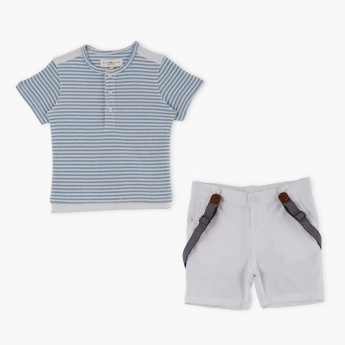 Juniors Striped T-Shirt with Shorts and Suspenders