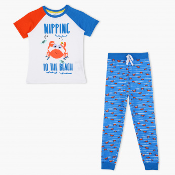 Juniors Printed T-Shirt and Jog Pant Set