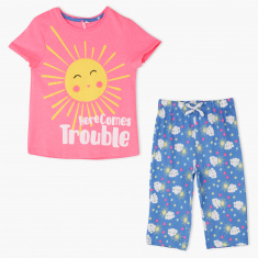 Juniors Printed T-Shirt and Capri Set