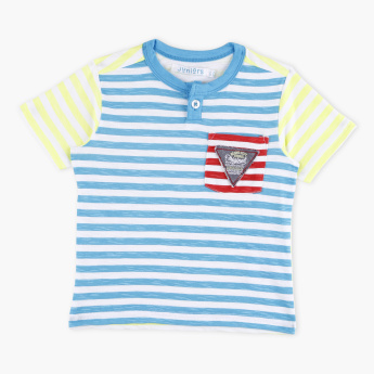 Juniors Striped Short Sleeves T-Shirt