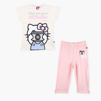 Hello Kitty Printed Extended Sleeves T-Shirt with Capris