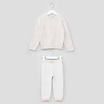 Juniors Textured Long Sleeves Sweater with Striped Jog Pants