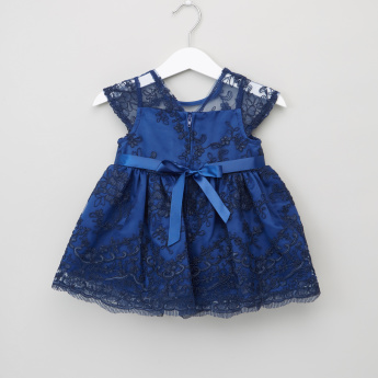 Juniors Lace Embroidered Dress with Cap Sleeves
