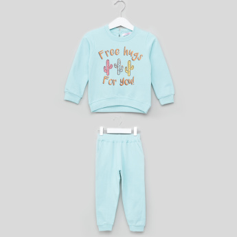 Juniors Printed Pullover Top and Jog Pants Set