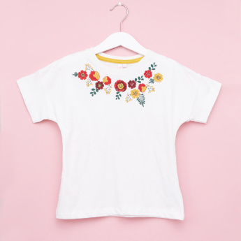 Juniors Floral Embroidered Short Sleeves T-Shirt