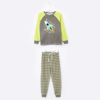 Juniors Rocket Detail T-Shirt with Striped Jog Pants