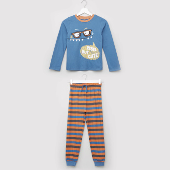 Juniors Embroidered Applique Detail T-shirt with Striped Jog Pants