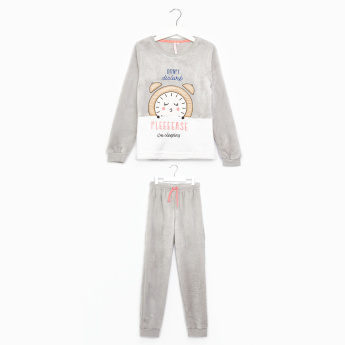 Juniors Embroidered T-Shirt with Full Length Jog Pants