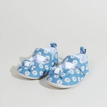 Juniors Printed Baby Booties with Ribbon Applique