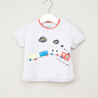 Juniors Graphic Printed T-shirt with Round Neck and Short Sleeves