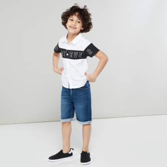 Juniors Printed Short Sleeves Complete Placket Shirt