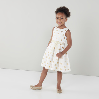 Juniors Printed Dress with Round Neck and Bow Detail