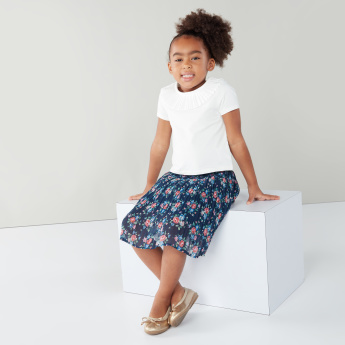 Juniors Ruffled Neckline T-shirt with Floral Printed Skirt