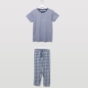 Juniors Henley Neck Short Sleeves T-shirt and Chequered Pyjama Set