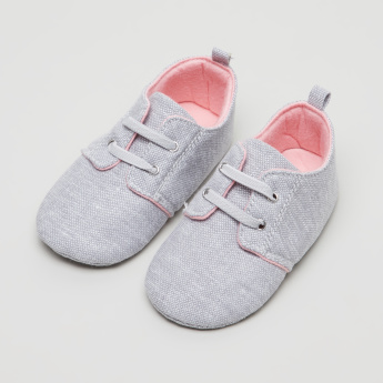 Giggles Textured Baby Shoes with Lace Detail